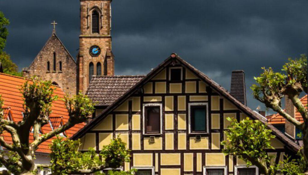 Sehenswürdigkeit - BSS - Bad Soden die Altstadt 14 Uhr und 9 Minuten