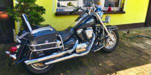 Motorrad Reinigung