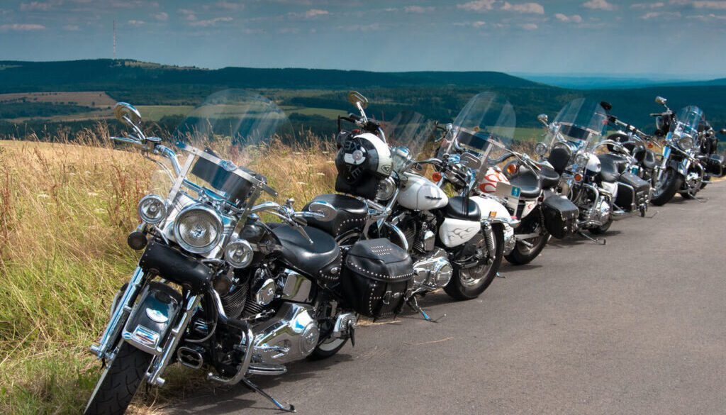 Motorrad_-_Wasserkuppe_-_harley_davidson_friendship_ride_germany